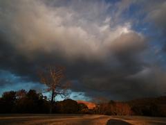 若草山に架かる雲