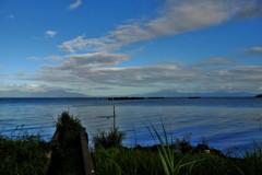 微風の湖面