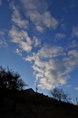 丘の上の雲