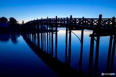 鶴の舞橋シルエット