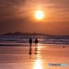 夕日を背に 岩屋海岸
