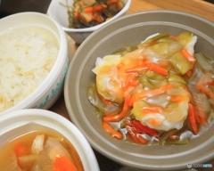 今日の社食は野菜あんかけ焼売