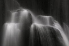 亀田不動の滝 水の形