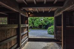 三浦館 厩からの光景