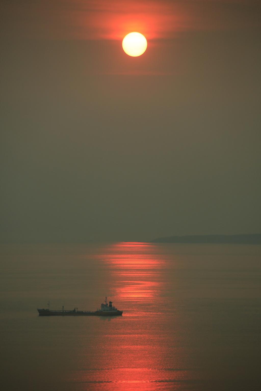 日の出の道