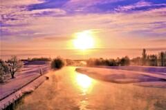 極寒の日の出
