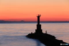 早朝の灯台