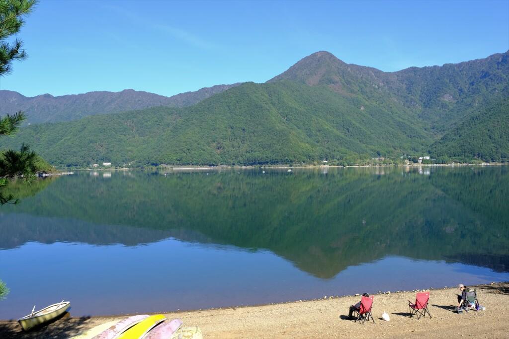 静かな西湖の朝