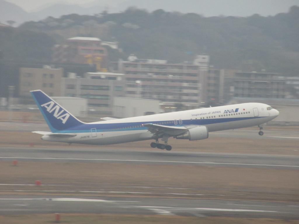 ANA B6の離陸