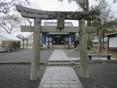 坂本八幡宮と雪 ①