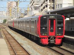 813系の発車