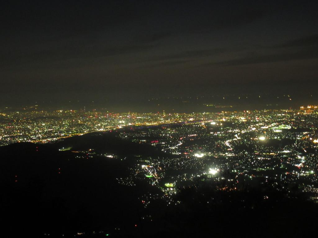 山頂から眺める博多の夜景