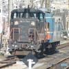 DE10-1753機関車と検査車両