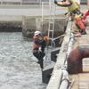 寒い中のダイバーによる救助訓練⑦