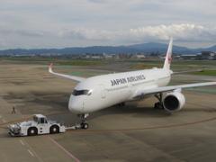 JAL  A350 福岡空港出発 ④