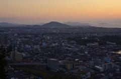 彦根の街を見下ろす