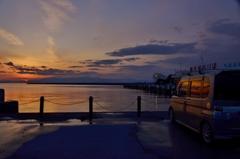 観光船のりばの夕暮れ