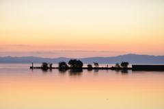 初夏の琵琶湖夕暮れ