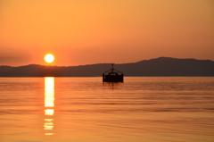 あかりが灯るー琵琶湖ー