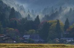 山間の村 ~山霧の朝~