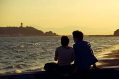 夕暮れ江ノ島を眺めながら・・