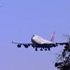 「二機の旅客機が、ほぼ同時に 着陸体勢」