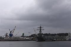 軍港の雰囲気