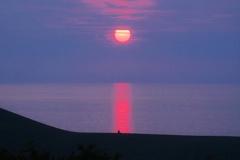 ひとり夕陽を待ちわびて。。