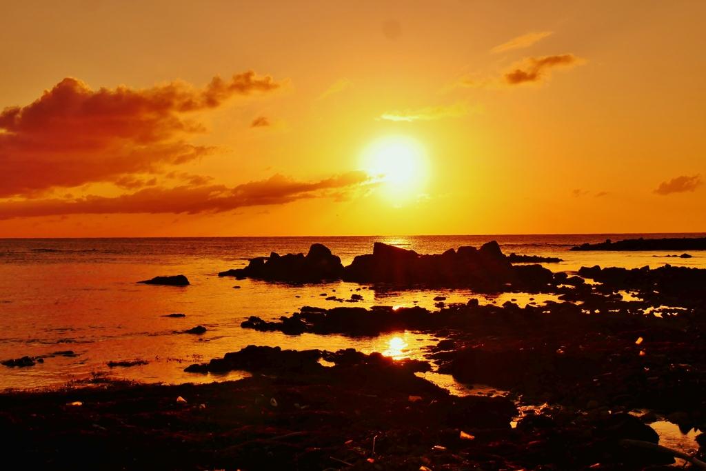 夕景 日本海は能登百浦海岸