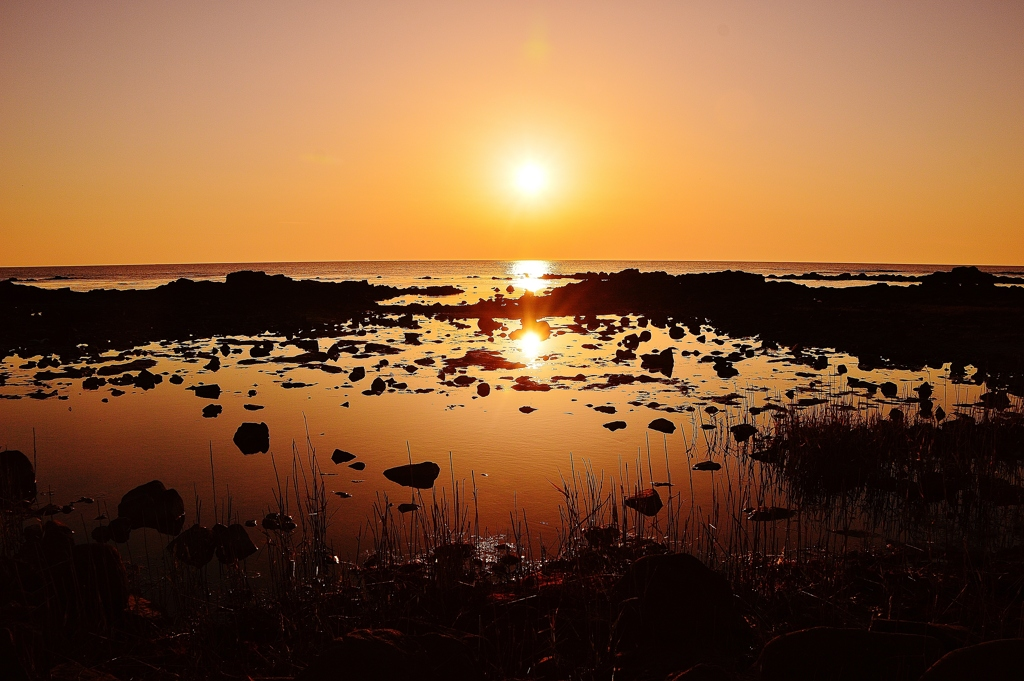 夕景 静寂の潮溜まり  能登小浦海岸