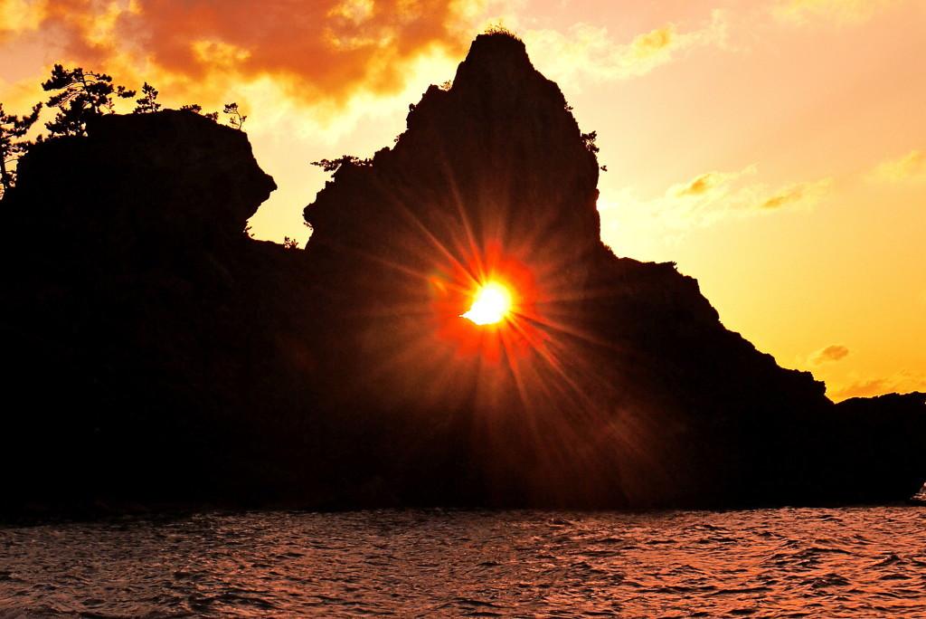 夕景 窓岩 曽々木海岸