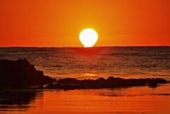 洛陽 ダルマ夕陽 能登は百浦海岸