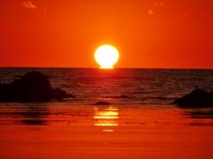 日本海は能登のダルマ夕陽