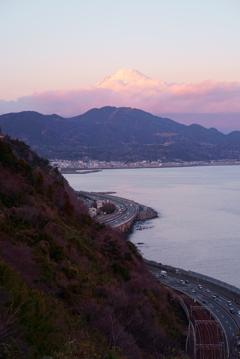 峠の夕景(縦)