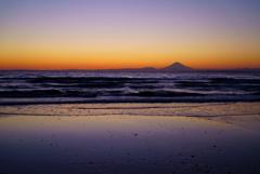 波打ち際の夕焼け