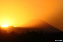夕の多摩川