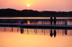 夕陽の見える橋