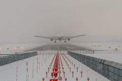 雪降る着陸