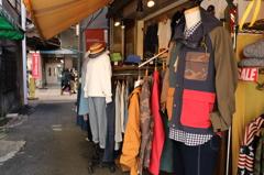 路地の洋服屋