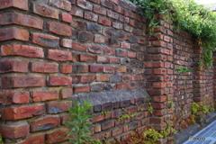 古い煉瓦塀
