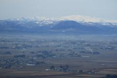 仙台平野から100名山・月山を望む