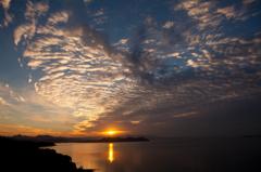 朝焼けの大村湾