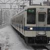 雪の日の東武8000系