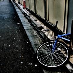 倒れた自転車