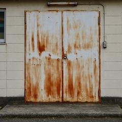 錆びたドア