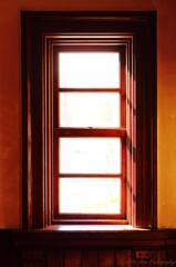 古窓のある部屋