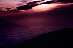 西へのさまよい・・   高原の朝