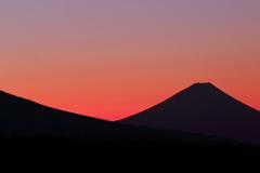 旅の余韻何題?  稜線、八ヶ岳と霊峰・・