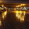 2016/10/03_夜、雨上がりの上野駅前歩行者デッキ