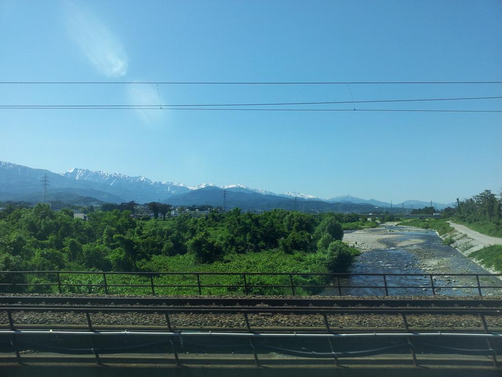 2017/06/15_車窓から立山連峰を望む
